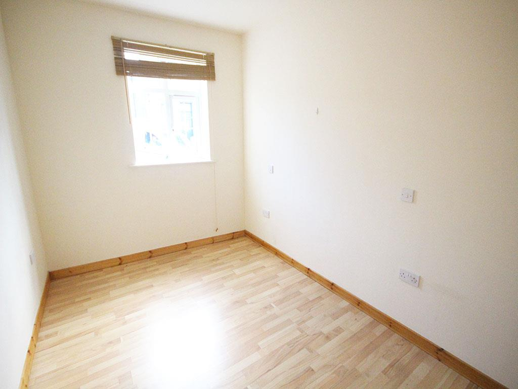 2 bedroom apartment To Let in Colne - IMG_3441.jpg